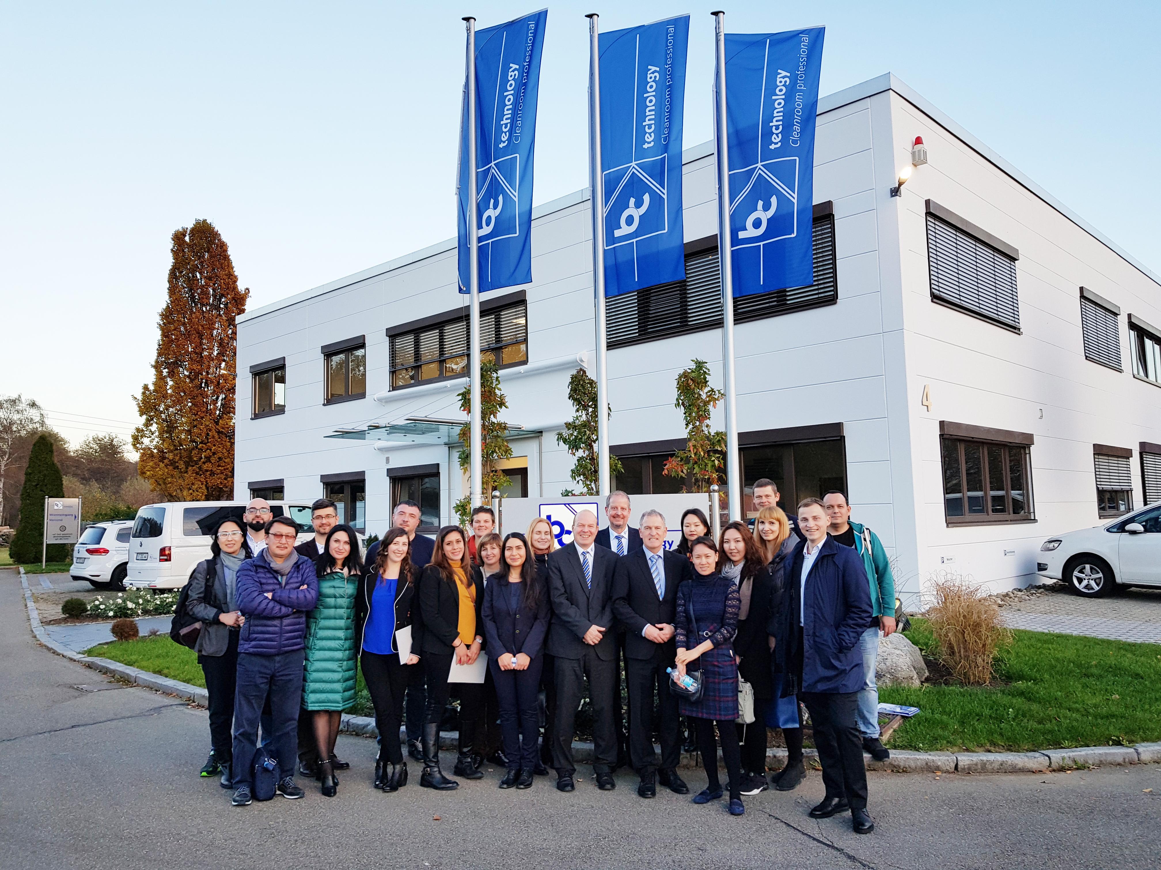 Internationale Delegation zu Besuch bei bc-technology